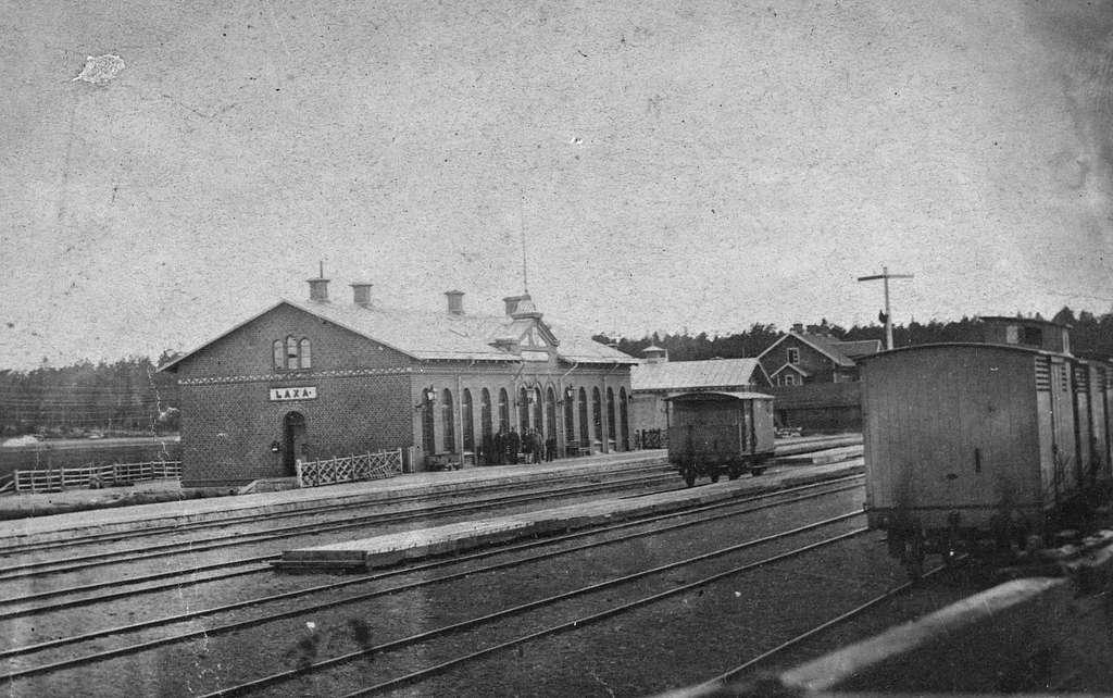 Laxå station