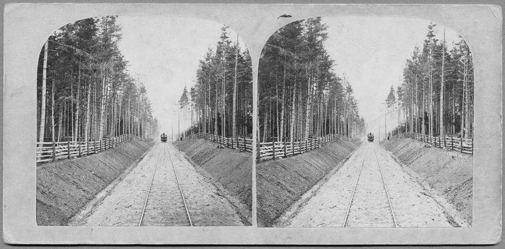 Linjen Borås övre - Sjöbo, ca 2 km norr om Borås övreTaget söderifrån på 1860-talet. Varberg - Borås - Herrjunga Järnväg. Stereoskopbild.