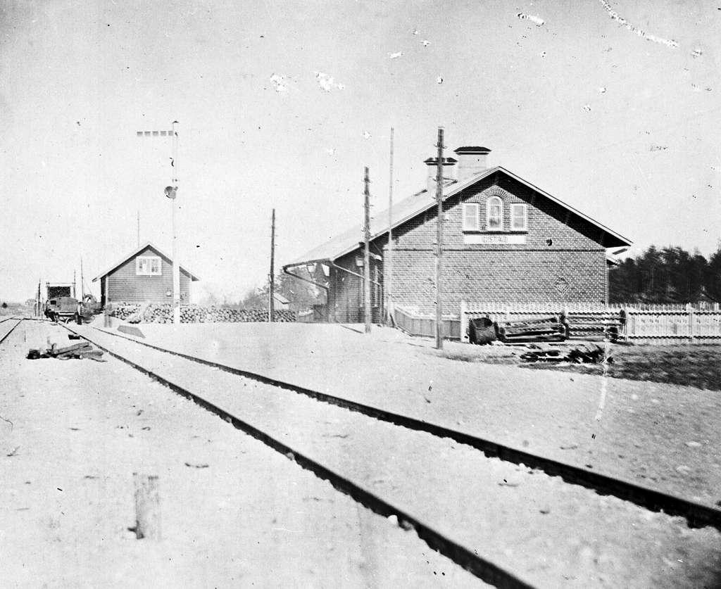 Gistad station.