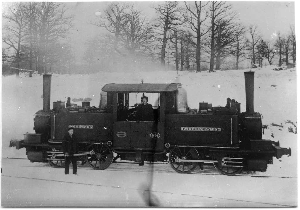 """Nässjö – Oskarshamns Järnväg, NOJ lok 8 """"Mörlunda"""". Ångloket tillverkades 1874 av R&W Hawthorn i England."""