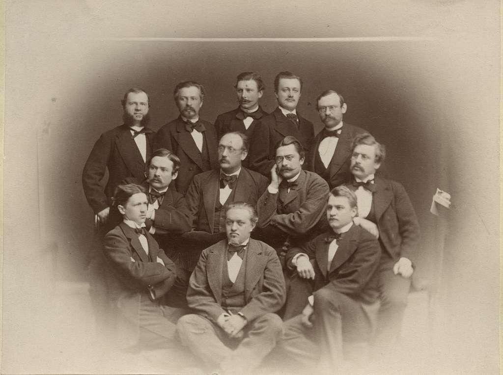 Gruppfoto av Ingenjörer och Nivellörer i Linköping år 1875.