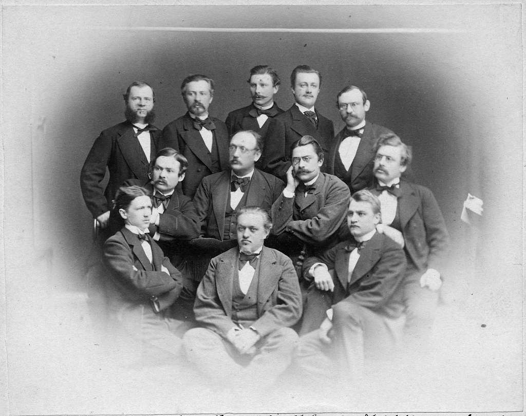 Gruppfoto av Nivellörer och Ingenjörer i Linköping 1875.