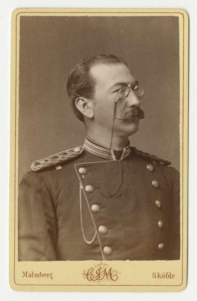 Porträtt av Adam Gabriel Fredrik Ludvig Nordenskjöld, underlöjtnant vid Kalmar regemente I 20.Se även AMA.0021751.
