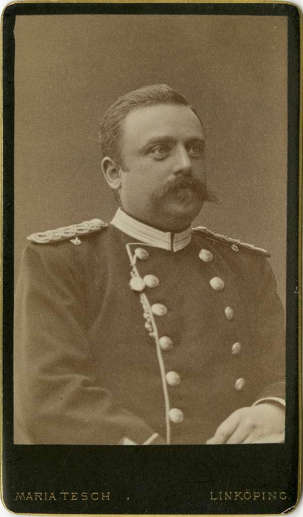 Porträtt av Claes Jacob Gottfrid Fries, officer vid Första livgrenadjärregementet I 4.Se även bild AMA.0007263, AMA.0007289.
