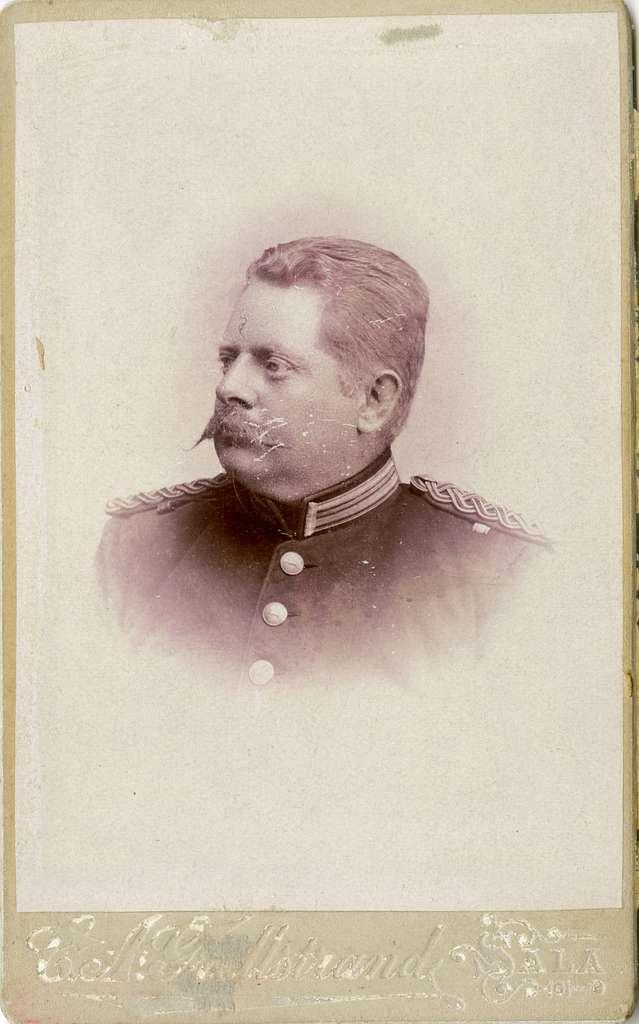 Porträtt av Carl Otto Cavalli, löjtnant vid Hälsinge regemente I 14.Se även bild AMA.0002182, AMA.0007714 och AMA.0009808.
