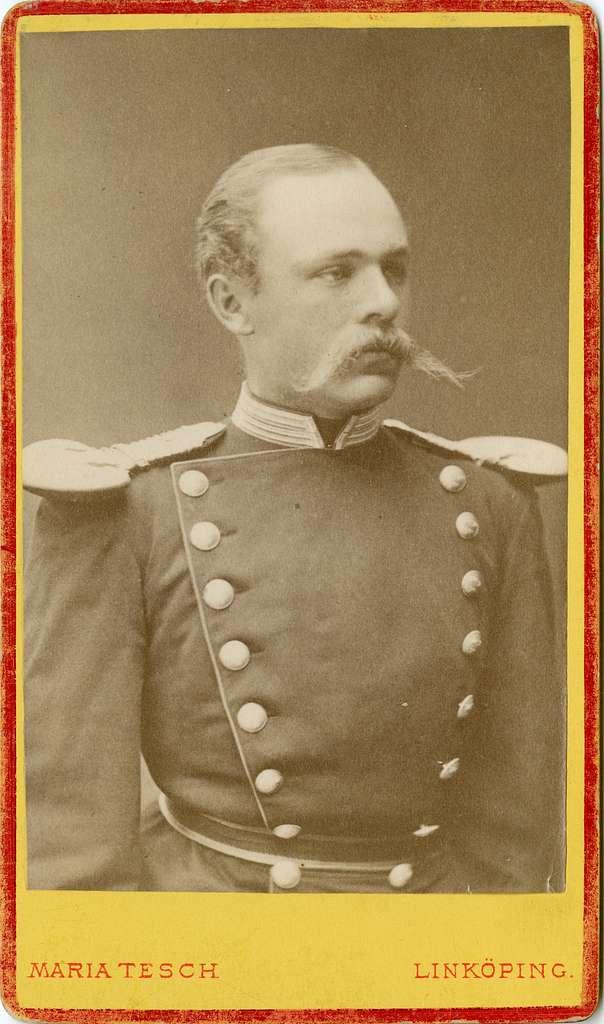 Porträtt av Karl Fredrik von Malmborg, officer vid Andra livgrenadjärregementet I 5.Se även bild AMA.0005557 och AMA.0008068.