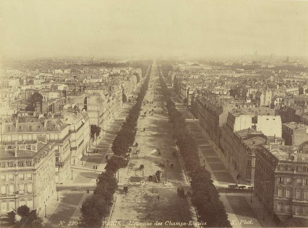Champs Elysées, Paris, 1886.