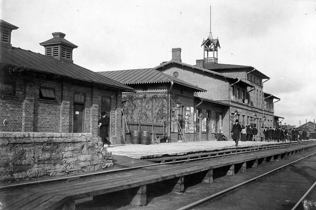 Skövde station