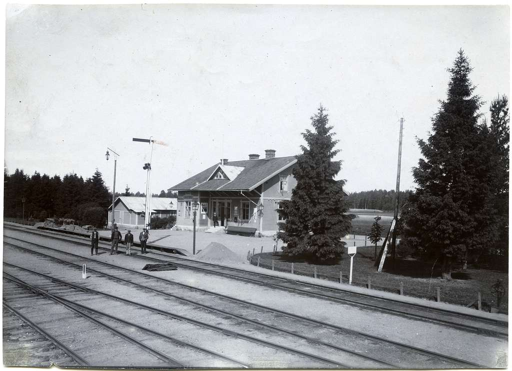 Kvistbro station.
