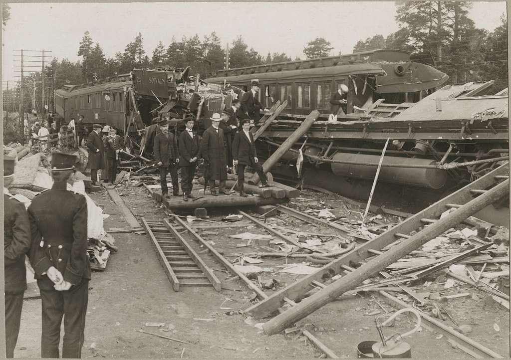 Olycksplatsen i Malmslätt där Statens Järnvägar, SJ Ao1 1723 och SJ Ao4 2002 är några av de drabbade vagnarna vid kollisionen.