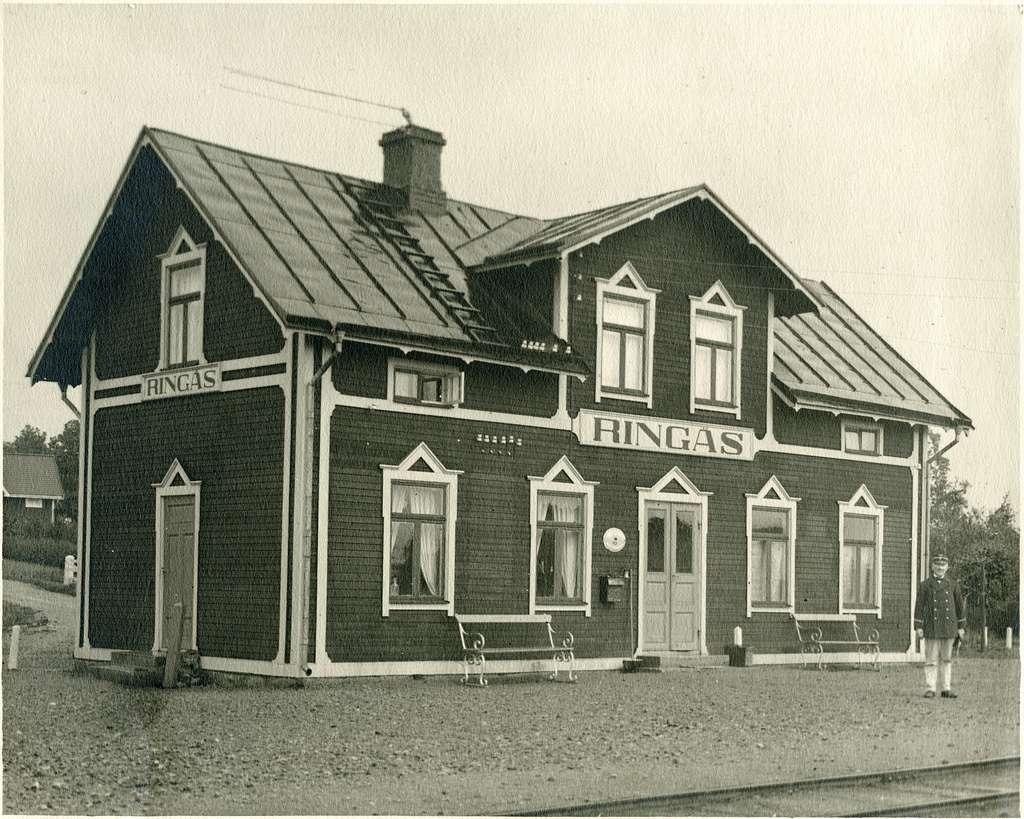 Mellersta Östergötlands Järnväg, MÖJ. Ringås station. Järnvägen öppnades 1908 och övergick till SJ 1950 och lades ner 1964.