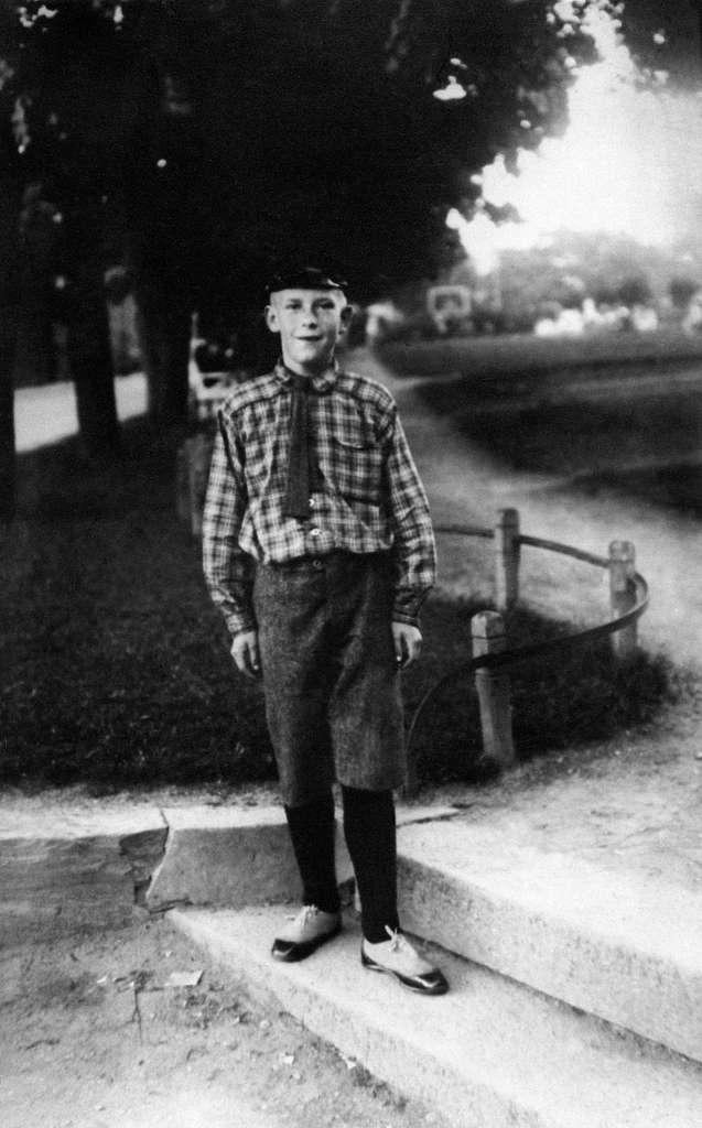 Alf Olafsen Prøysen, første Oslotur for å besøke søster Marie.