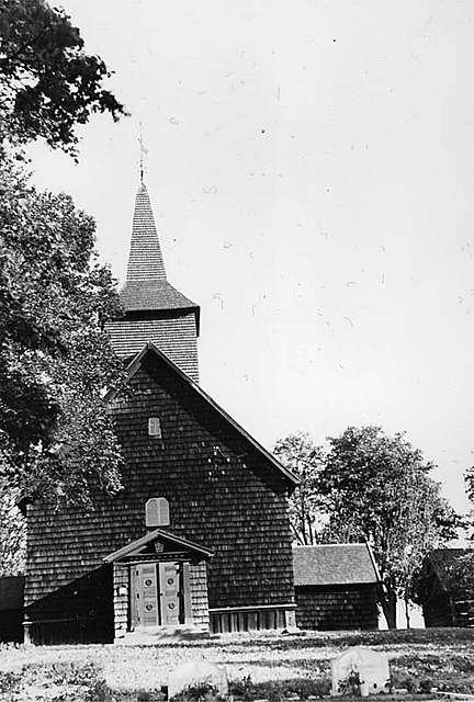 Älgarås kyrka från öster.