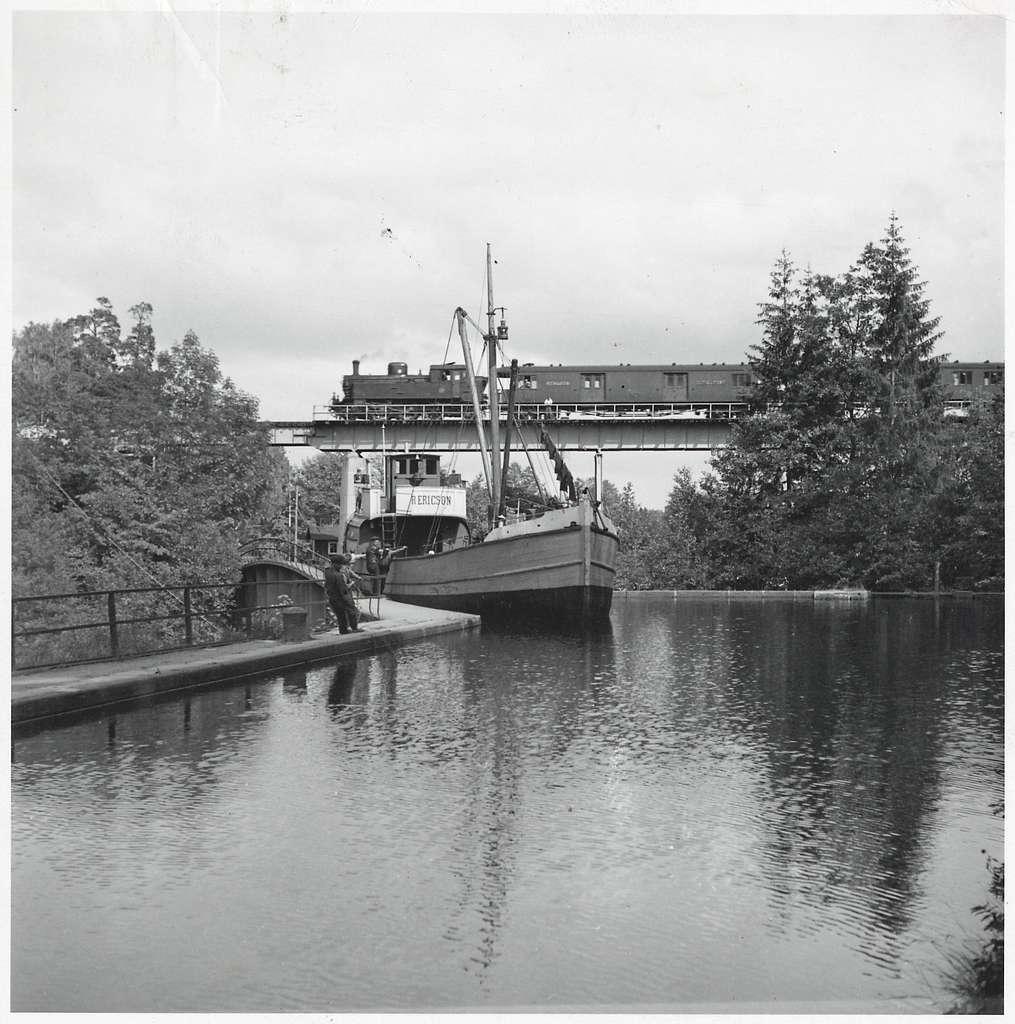Akvedukten och järnvägsbron vid Håverud, Dalsland.