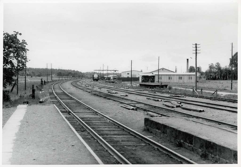 Bangården vid Jakobsberg station.