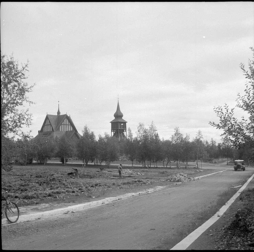 Kiruna. Kyrkan och klockstapeln.