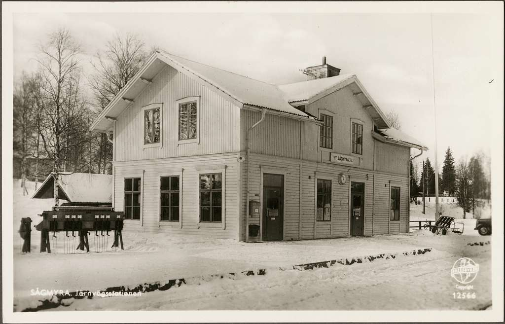 Stationshus vintertid.