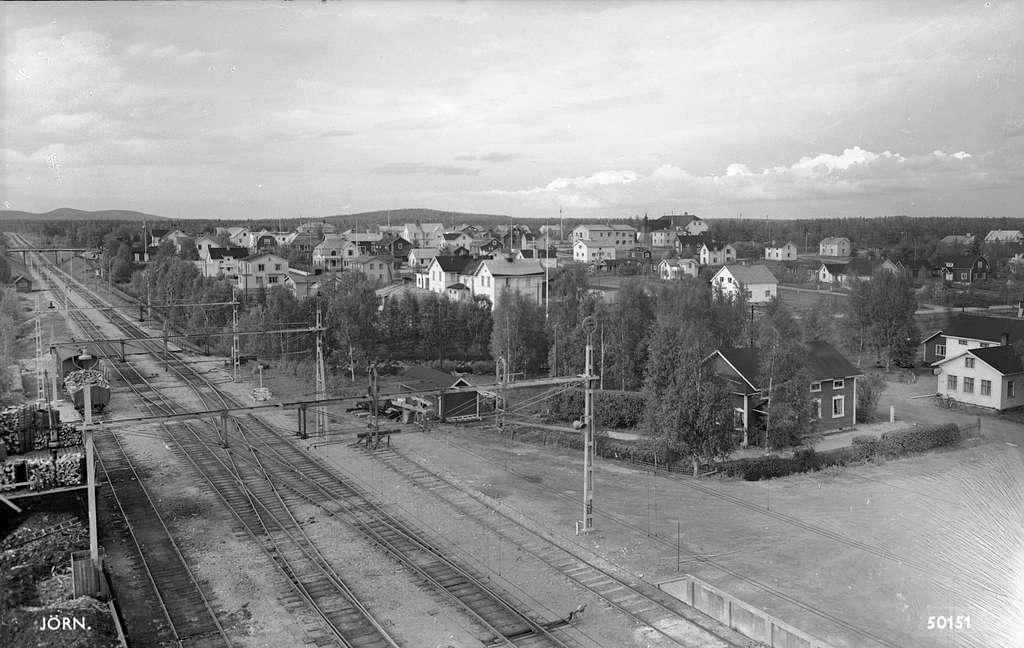 Bangården vid Jörn station.