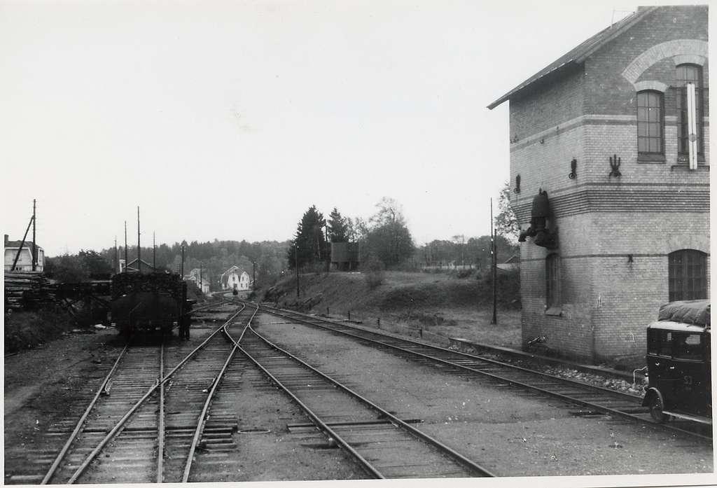 Bangården vid Hällevadsholm.