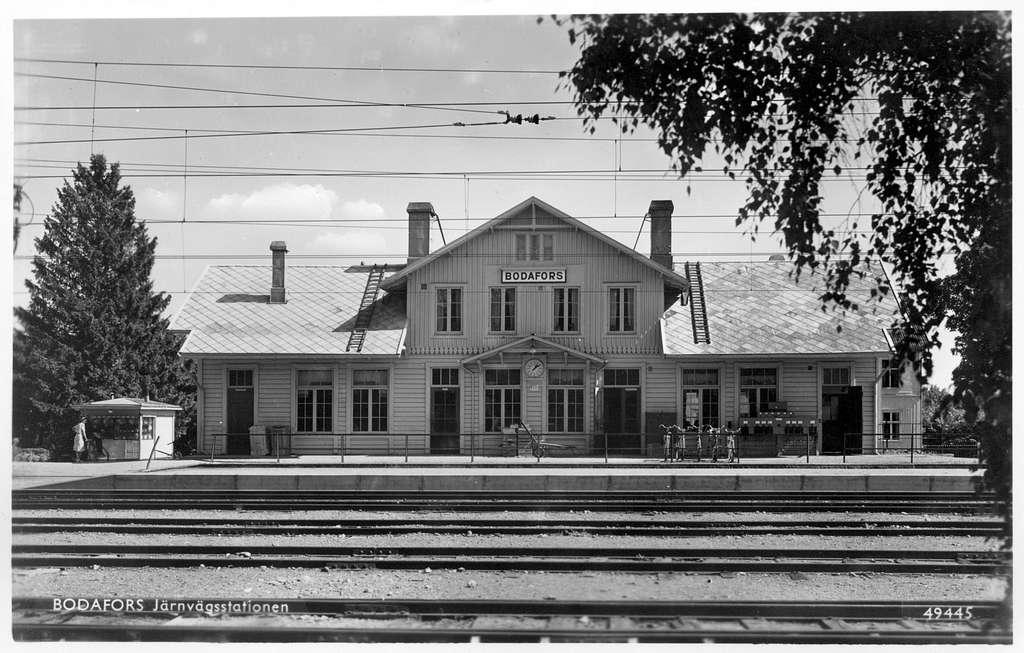 Repro från pressbyråns vykort nr. 49445. Stationen bytte namn från Sandsjö 1922.