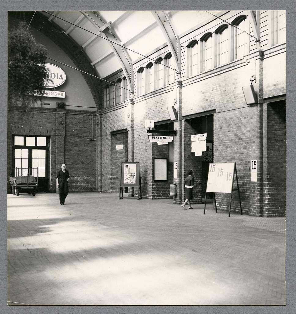 Skyltning till plattform 1 på Malmö Centralstation.