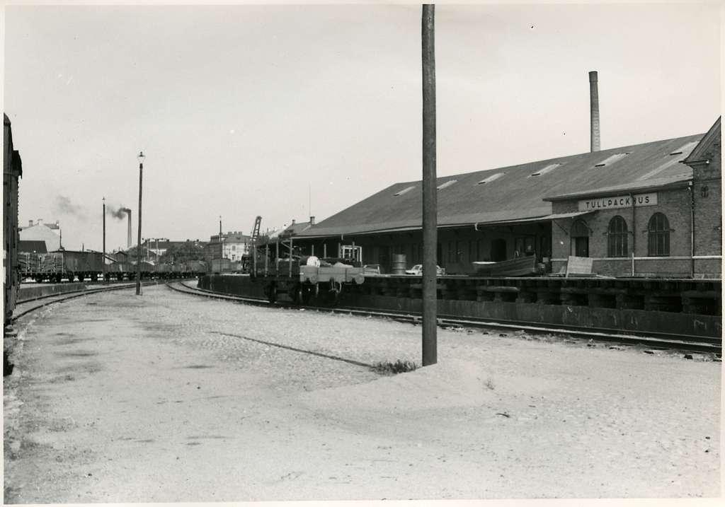 Eskilstuna, godsstation, mot norr. Bilden tagen inför elektrifieringen av Trafikaktiebolaget Grängesberg - Oxelösunds Järnvägar.