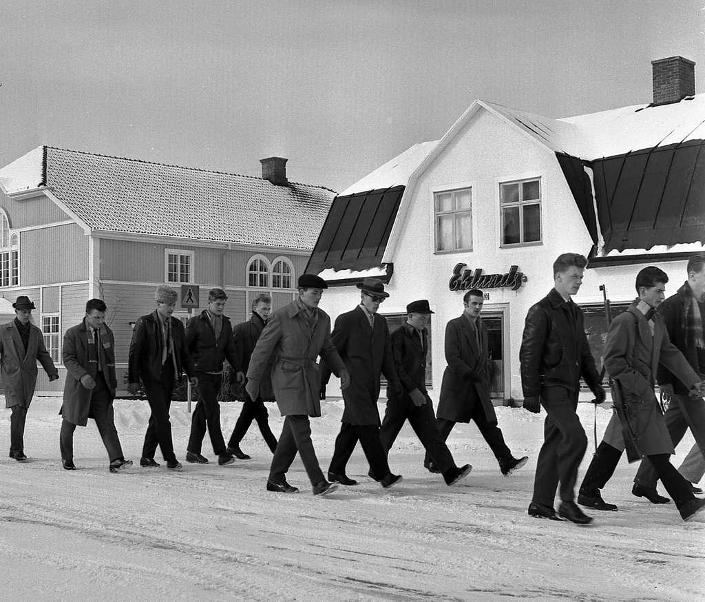 Fallskärmsjägarskolan i Karlsborg 1958.Inryckning.