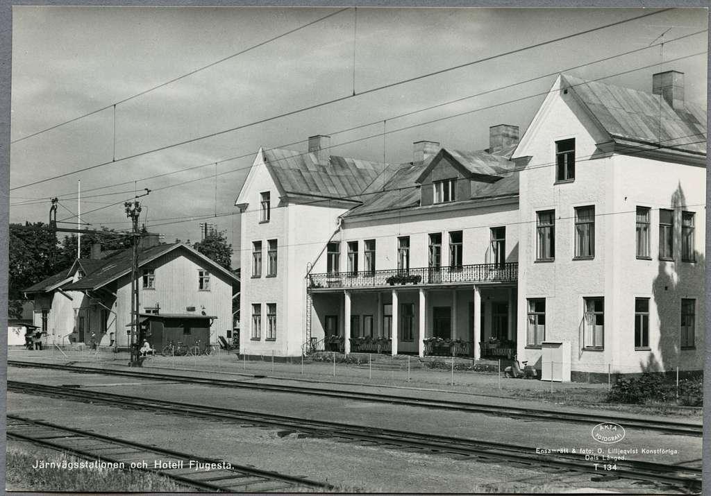 Järnvägsstationen och hotell, Fjugesta.