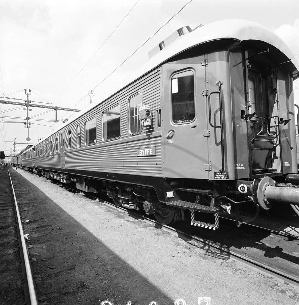 Statens Järnvägar, SJ Rb02 provtur Cst - U - Cst, Stockholm Centralstation - Uppsala - Stockholm Centralstation.Exteriör, skylt Byffé