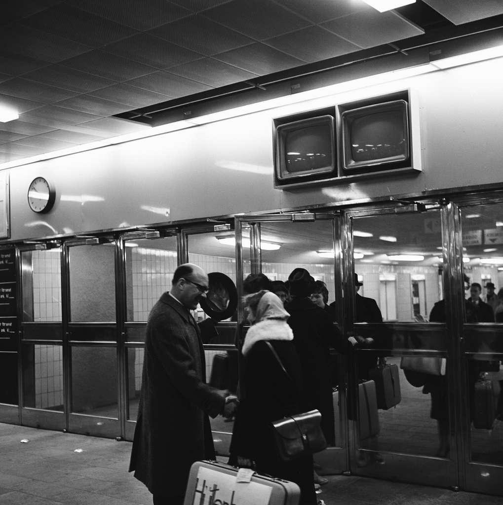Tv-anläggning, snabbinformation för resande.