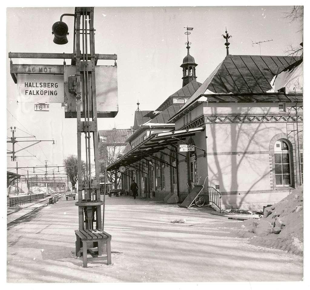 Flens station.