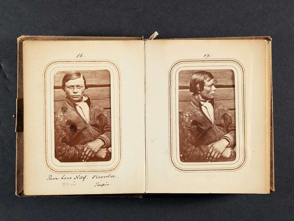 Fotoalbum med motiv från Lotten och Gustaf von Dübens resa till Lappland 1868. Foto Lotten von Düben.