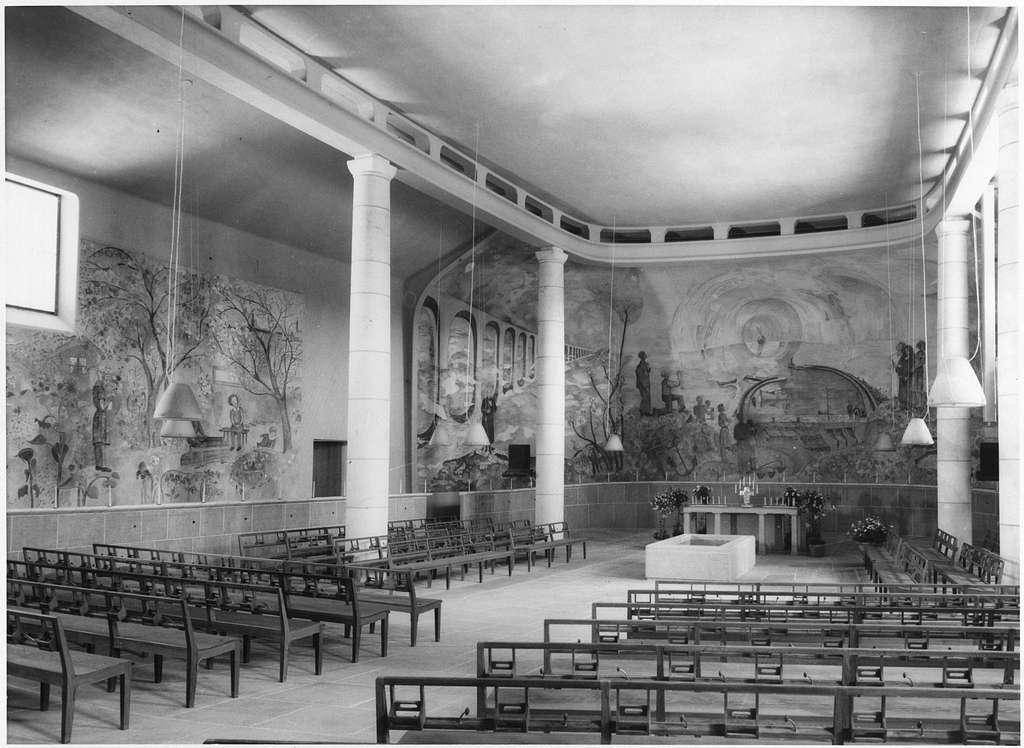 Skogskrematoriet, SkogskyrkogårdenHeliga korsets kapell med fresk av Sven Erixson