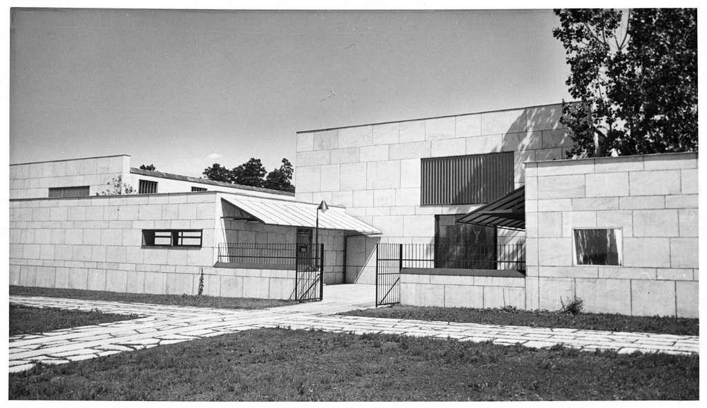 Skogskrematoriet, SkogskyrkogårdenFörgård till Hoppets kapell